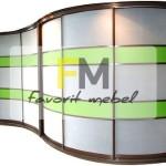 33. Большой радиусный комбинированный шкаф, выполненный в белом и светло-зеленом цвете.